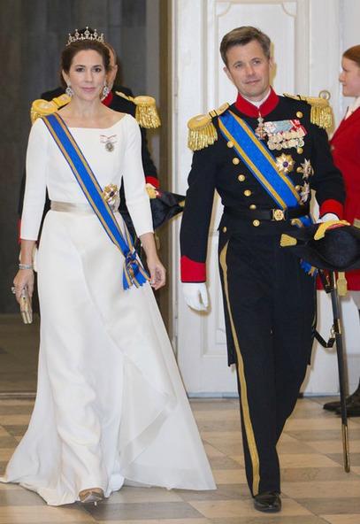 La-princesse-Mary-de-Danemark-avec-le-prince-Frederik-le-17-mars-2015