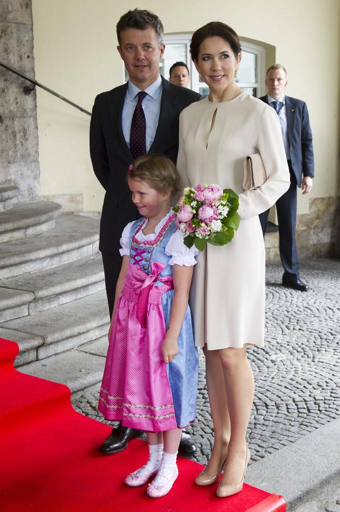 Crown+Prince+Frederik+Crown+Princess+Mary+njc3ZOf9Ib3x