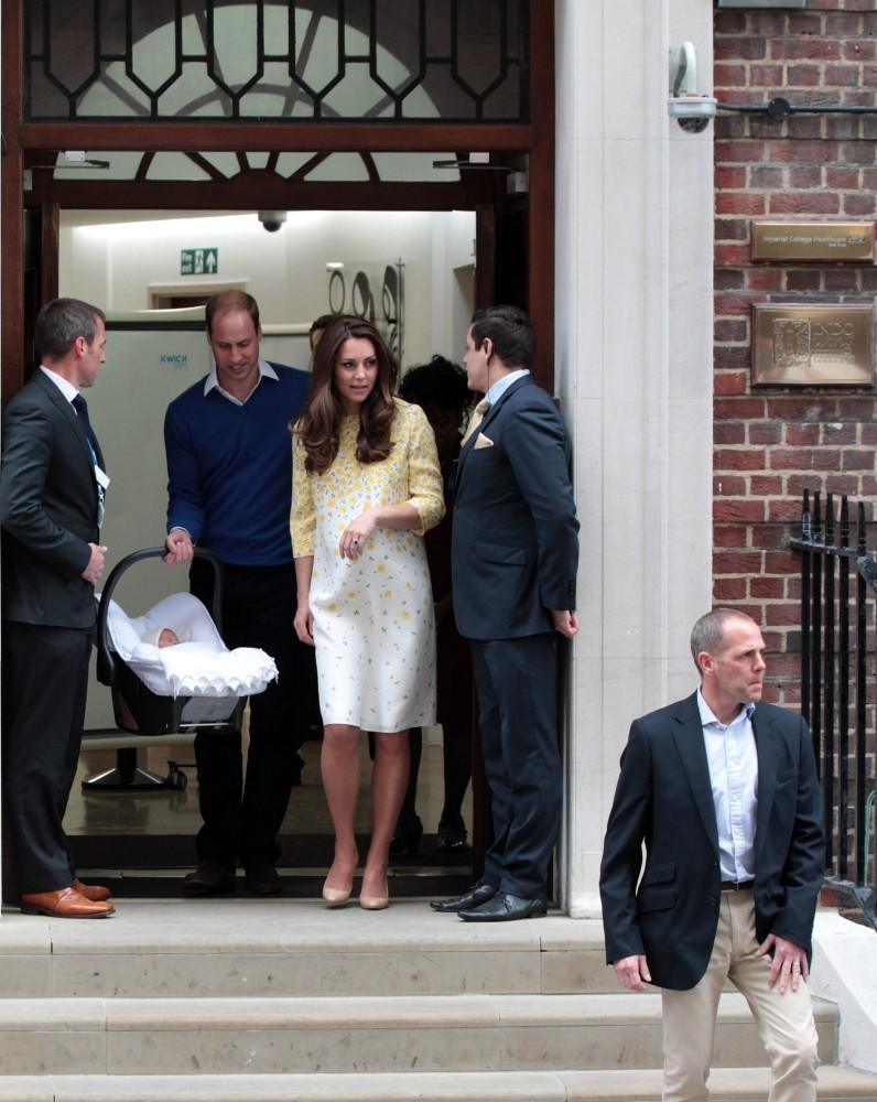 Kate+Middleton+Prince+William+Prince+George+-Z19vHtqgOxx