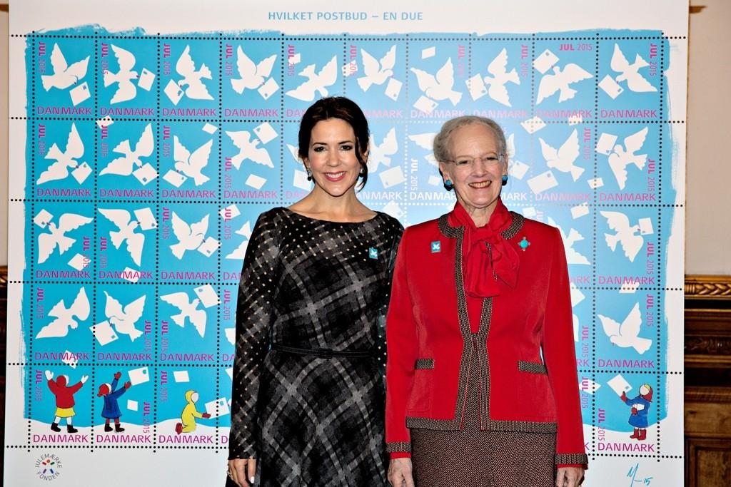 Dronningen og Mary - Julemærket 2015