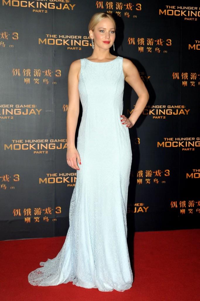 Jennifer-Lawrence-Vogue-12Nov15-Rex_b