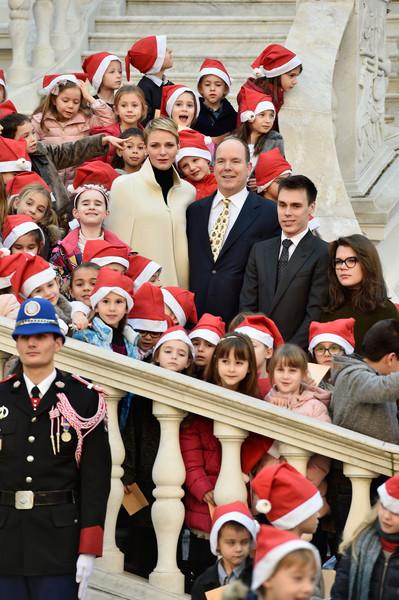 Christmas+Gifts+Distribution+Monaco+Palace+B5VNEmW30Qdl