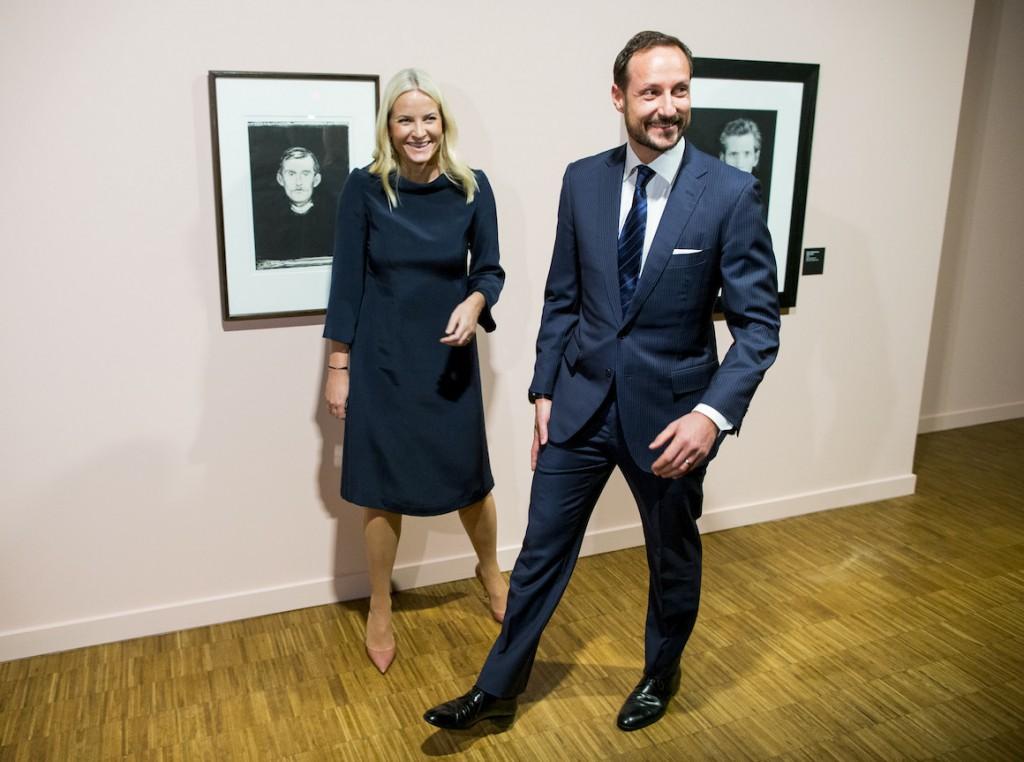 Oslo 20160205.Kronprinsesse Mette-Marit og kronprins Haakon under Âpningen av utstillingen Mapplethorpe+Munch pMunchmuseet i Oslo fredag kveld.Foto: Vegard Wivestad Gr¯tt / NTB scanpix