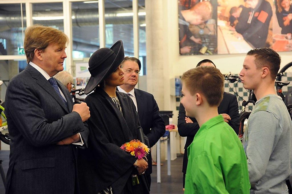 Koningspaar op streekbezoek aan West-Brabant POOL