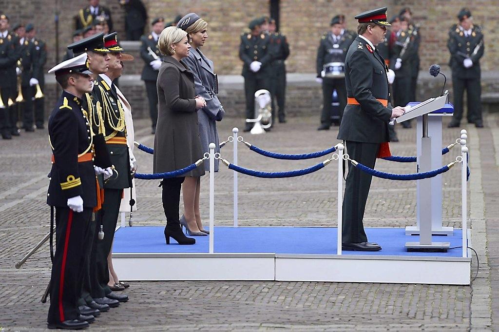 Koning reikt Militaire Willems-Orde uit aan Korps Commandotroepe