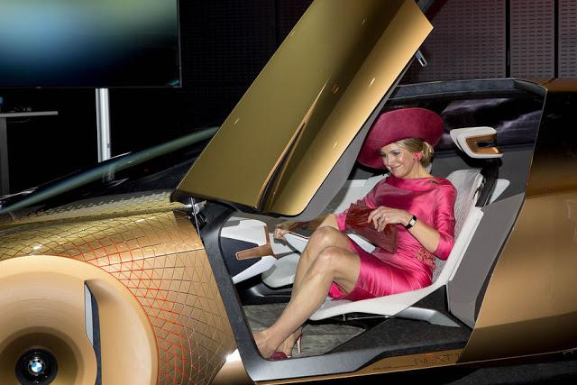 La-reine-Maxima-des-Pays-Bas-au-BMW-Welt-a-Munich-le-13-avril-2016-1