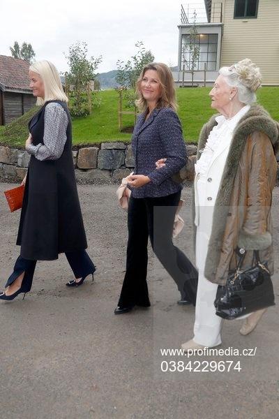 Queen Sonja opens her childhood home