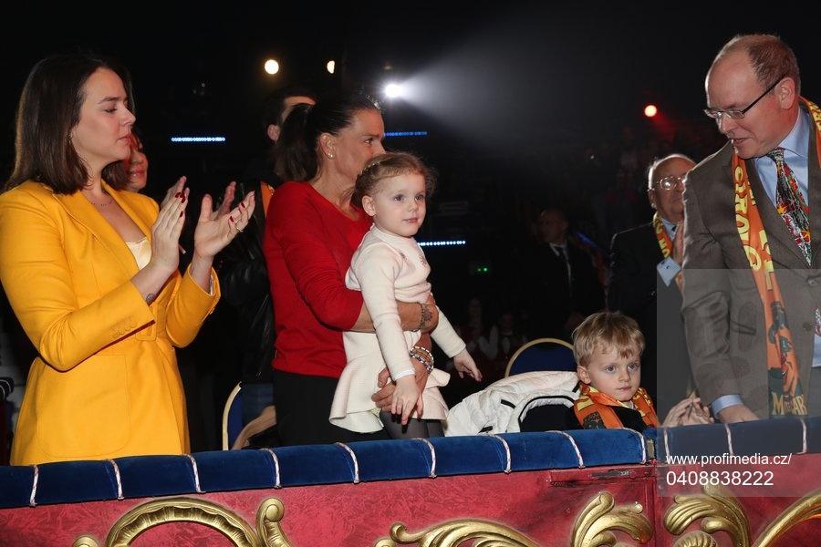 Le prince Albert II de Monaco et ses enfants viennent assister ŕ